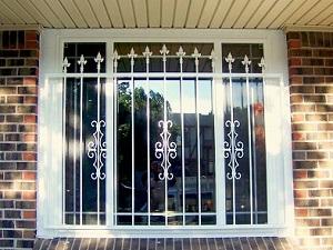 پنجره آهنی 1